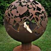 Садовый камин с романтической темой