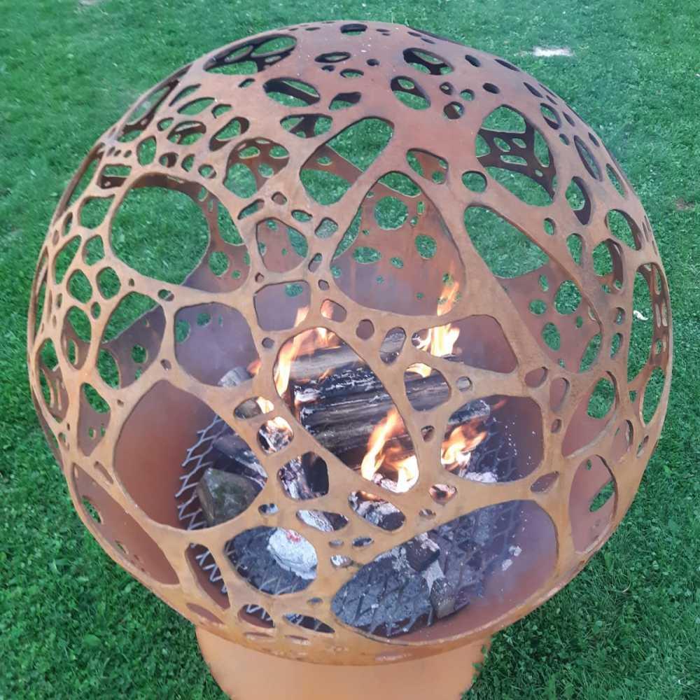 Аренда садового камина с каменным мотивом