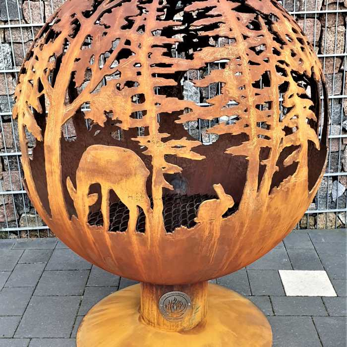 Аренда садового камина с мотивом леса